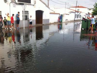 Inundación en Talavera la Nueva en plena celebración de sus fiestas
