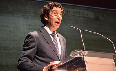 El profesor Ángel Monterrubio subió el telón de la Semana Santa talaverana