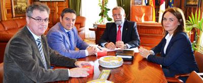 El alcalde perfila un convenio con la FEMP-CLM para que Talavera acoja cursos de formación para cargos electos y personal de la administración local