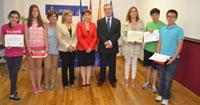 Alumnos del Fernando de Rojas ganan el premio de consumo 'Consumópolis 9'
