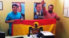 Dimiten el presidente y el tesorero de NNGG de Llanes tras posar con una bandera preconstitucional