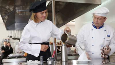 Cospedal ensalza el buen hacer de cocineros y restauradores de la región