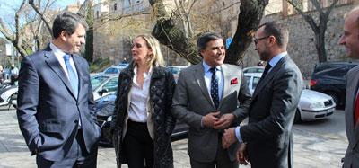 Reunión de trabajo del embajador estadounidense en España James Costos en FEDETO