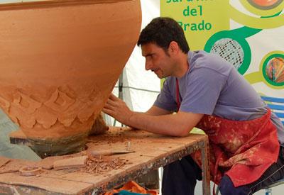 El desempleo desciende en junio en 7.430 personas en Castilla-La Mancha