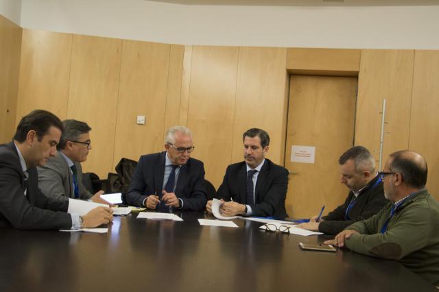"""FEDETO, CC.OO y UGT logran el compromiso de los grupos parlamentarios del Congreso con el """"Pacto por el Ferrocarril"""" de la provincial de Toledo"""