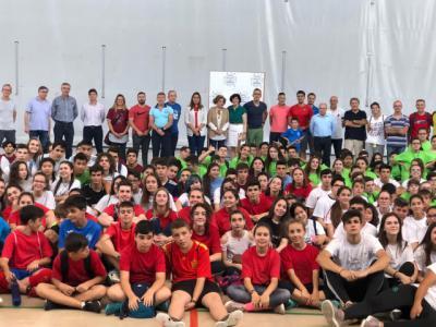 La 'I Jornada Deportiva Intercentros' reúne a 300 alumnos de todos los IES públicos de Talavera