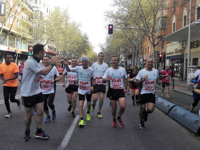 Emilio Hidalgo, presidente de UDAT, participa en la Media Maratón de Madrid a sus 80 años