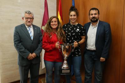 La Junta felicita a la talaverana Isabel Rico, campeona de Europa de Rugby