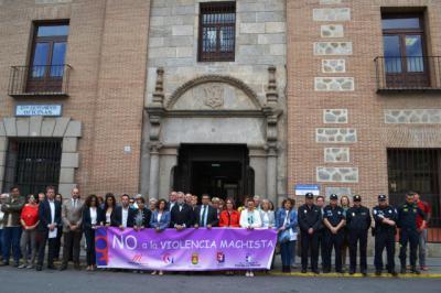 Talavera guarda un minuto de silencio por las dos mujeres víctimas de violencia de género en mayo