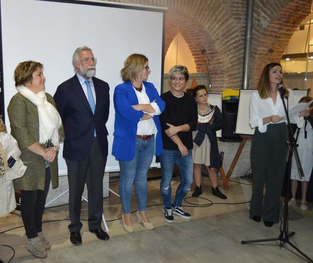 TEA Talavera y Valeria Cassina presentan el Calendario Solidario 2019