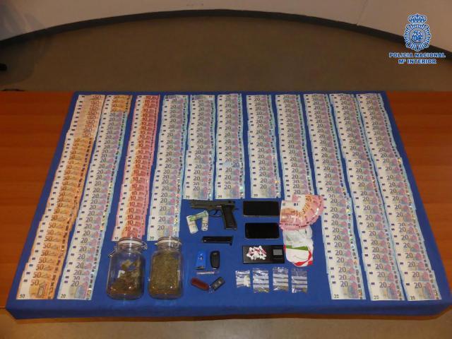 Desarticulado un grupo criminal en Talavera que vendía droga en una tienda del centro