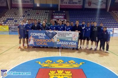 El Soliss Fútbol Sala Talavera muestra su apoyo al comercio local