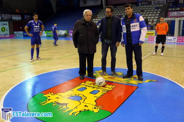 El Soliss FS Talavera recibió como 'Jugador Número Seis' la visita de la Asociación 'Aurelio de León'