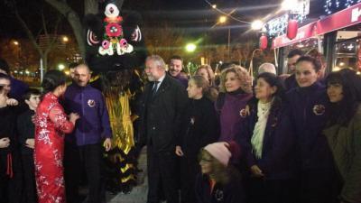 El alcalde con la comunidad china de Talavera