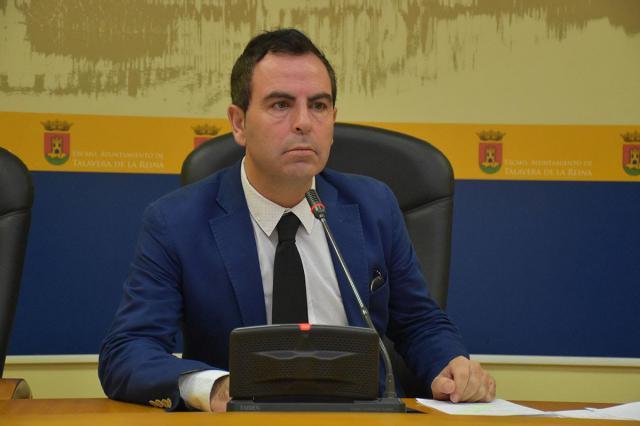 """El PSOE pide la comparecencia del alcalde para que explique un presunto caso de """"puertas giratorias"""""""