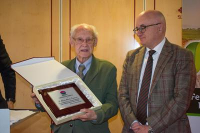 Fertilizantes Moisés celebra sus 25 años con un emotivo homenaje a su fundador