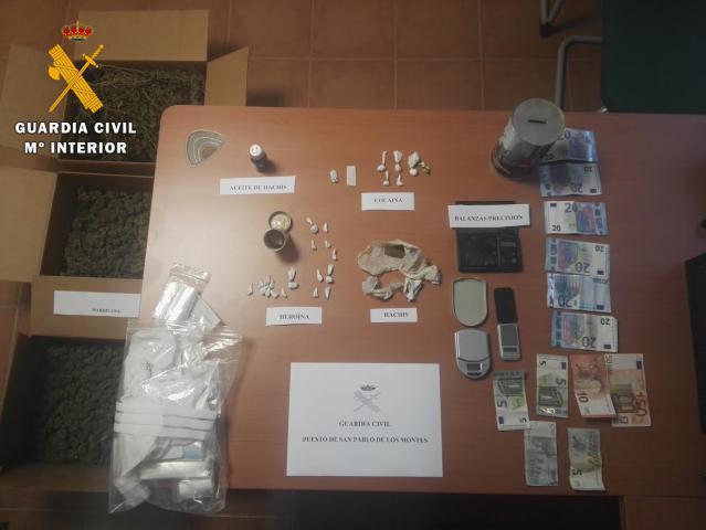 Se han intervenido distintas cantidades de cocaína, heroína, marihuana y hachís