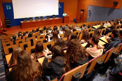 SESCAM explica a 300 alumnos de Bachillerato de Talavera la importancia de la donación