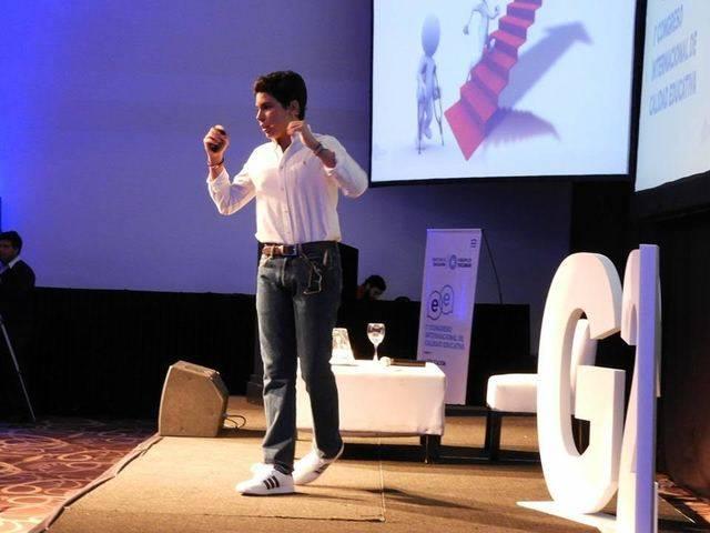 Álvaro Cabo durante su intervención ene l I Congreso Internacional de Educación en Argentina
