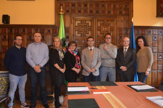 La Diputación acuerda con los sindicatos los servicios mínimos para el 8 de marzo