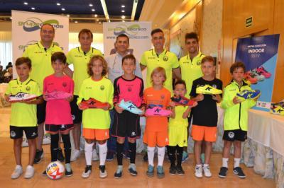 Élite Talavera presenta sus nuevas equipaciones