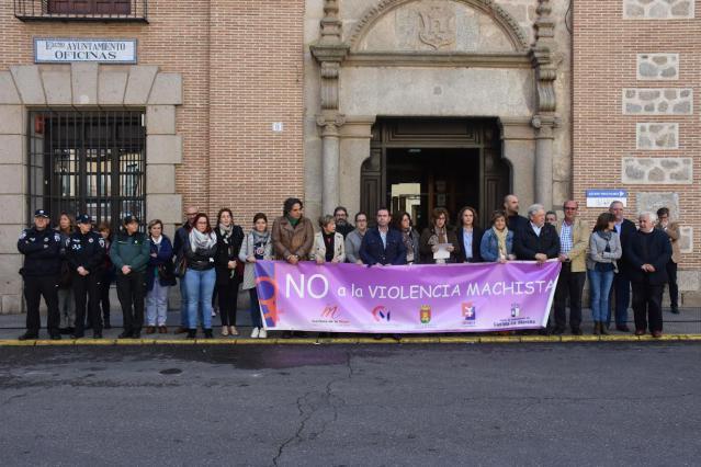 El Ayuntamiento recuerda con un minuto de silencio a la talaverana María Blázquez