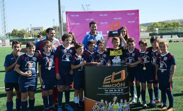 La UD Velada, vencedor a penaltis de la I Copa Ciudad de la Cerámica 'Trofeo SOLISS' de Fútbol 8 Alevín