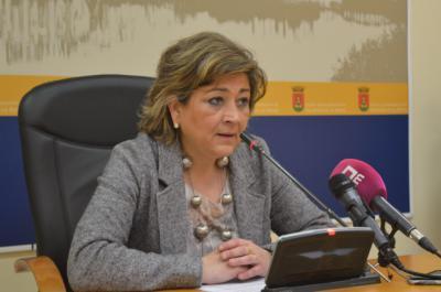 La concejala de Educación, María Victoria González, en rueda de prensa