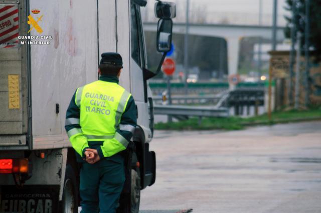 Detienen a un camionero que superó en más de 7 veces el límite de alcoholemia