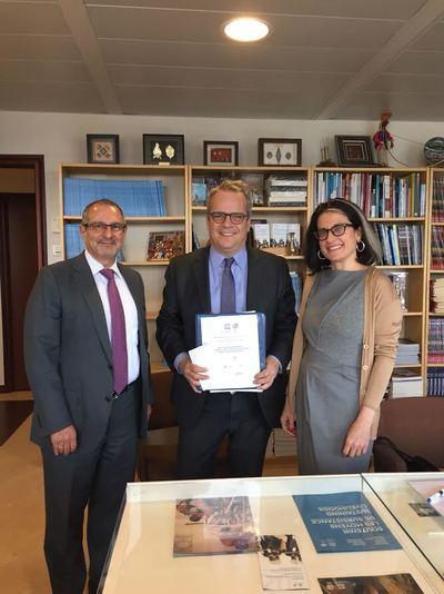 Firma del expediente de la candidatura que tuvo lugar en la sede de la Unesco en París