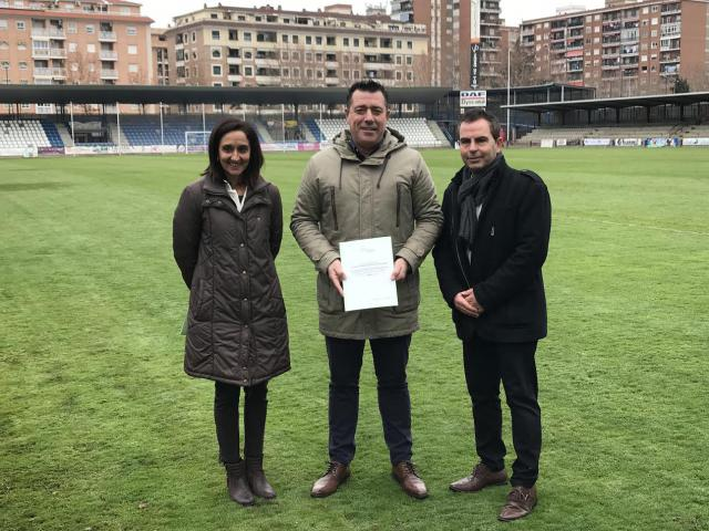 La Diputación firma con el CF Talavera un convenio de colaboración de 20.000 euros
