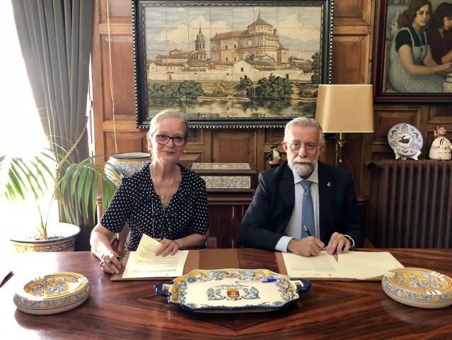 El Ayuntamiento firma un convenio de colaboración con la Asociación Talaverana Contra los Malos Tratos