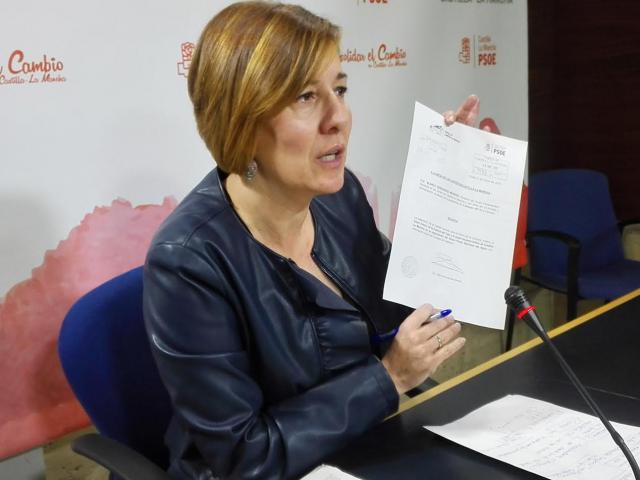 la portavoz del Grupo Parlamentario Socialista, Blanca Fernández