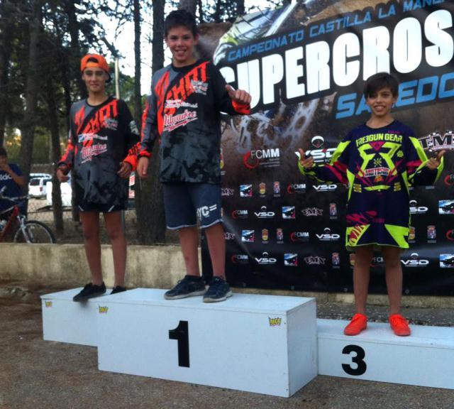 Los pilotos del TeaMX Reina David Beltrán y Cesar de la Casa se proclaman Campeón y Subcampeón del Supercross 2017 de la FCMM