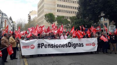 Miles de pensionistas reivindican en CLM 'pensiones dignas'