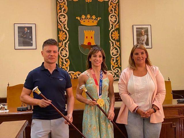 Sandra Sánchez (centro), Tita García (derecha) y Jesús del moral (izquierda)