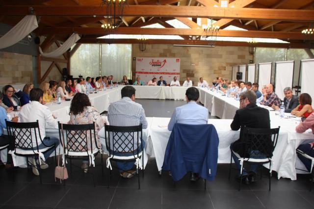 Abengózar será la portavoz y Mora el presidente del Grupo Parlamentario Socialista en las Cortes