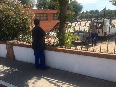 Malestar por el destrozo vandálico en la entrada al Recinto Ferial
