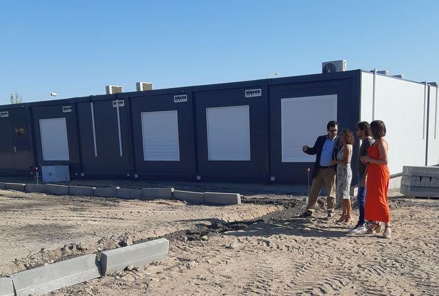 La Junta supervisa la instalación de las aulas provisionales del nuevo Instituto de Olías del Rey