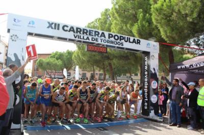 Unos 1.600 atletas participaron en la XII Carrera Popular 'Villa de Torrijos'