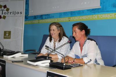 Cristina Palacio presentó su novela 'El aprendiz del tejedor'
