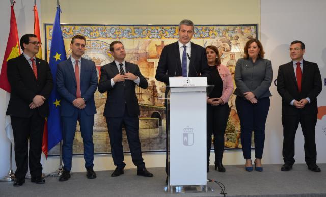 """Álvaro Gutiérrez: """"Hoy, más que nunca, Talavera es el epicentro del sector artesano de la provincia y de la región"""""""