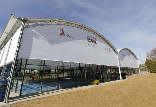 Illescas inaugura las pistas cubiertas municipales de pádel