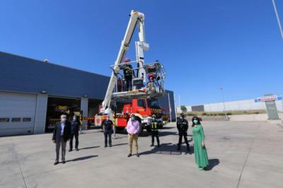 ILLESCAS   La Diputación de Toledo presenta un nuevo vehículo para el Parque de Bomberos