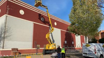 TALAVERA | Se inician las obras para reparar la cubierta del Polideportivo de Puerta de Cuartos