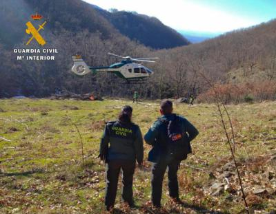 LOS NAVALUCILLOS | La Guardia Civil rescata a hombre aislado por la nieve y que necesitaba medicación