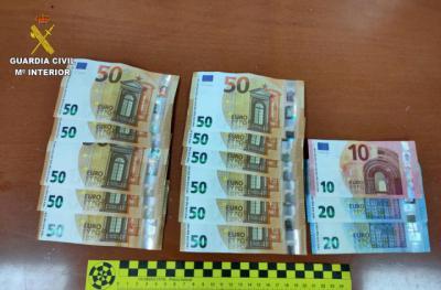600 EUROS | Detenidos dos menores por robar a un hombre en un cajero automático