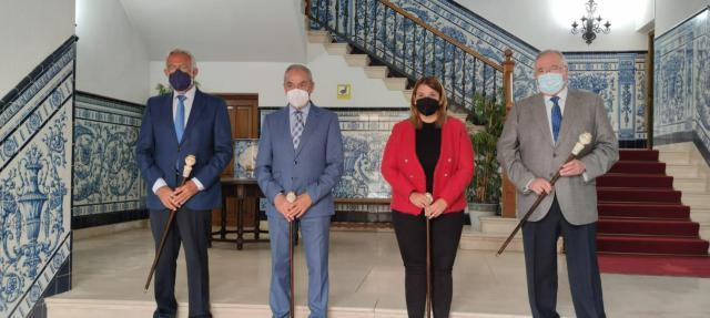 TALAVERA | Los exalcaldes, Rivas, Corrochano y Ramos, reciben el bastón de Mondas