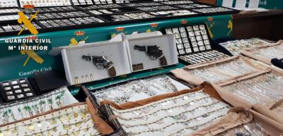 Desarticulado un peligroso grupo criminal especializado en robos en naves logísticas y joyerías