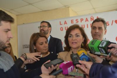 """Carmen Calvo condena en Talavera el """"crimen machista"""" de la mujer alemana y su hijo en Adeje"""